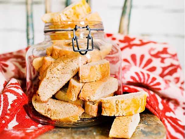 Möra biscotti med kardemumma