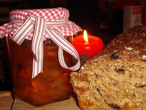 Morot och aprikosmarmelad med smak av ingefära och kanel