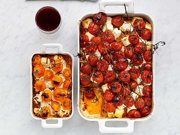 Moussaka med röd pesto och fetaost