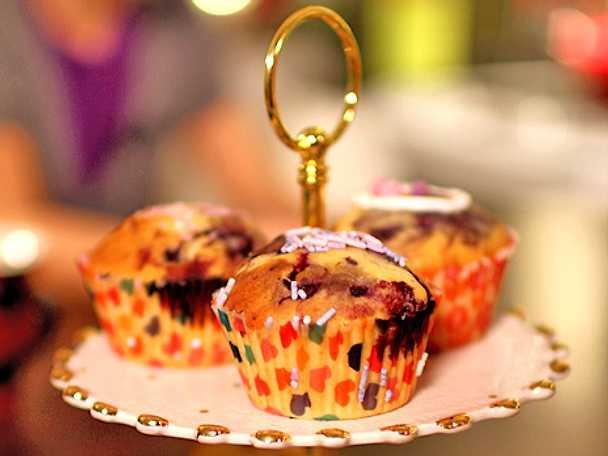 Muffins med blåbär, choklad och marshmallows
