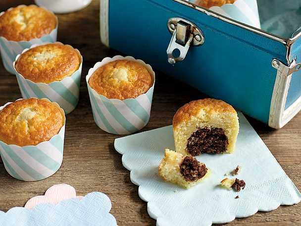 Muffins med inbakade chokladbollar