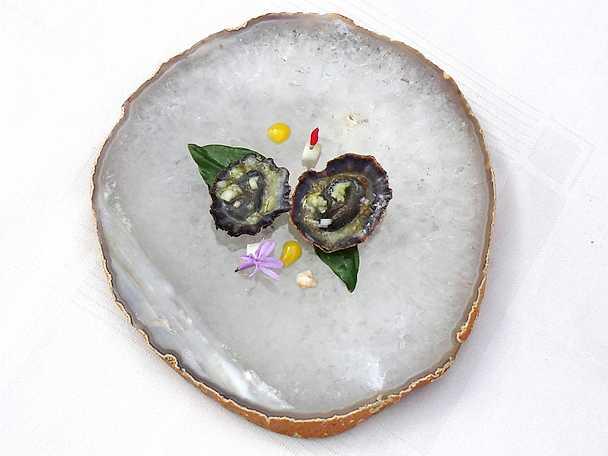 Musslor med mangokräm och passionsvinägrett