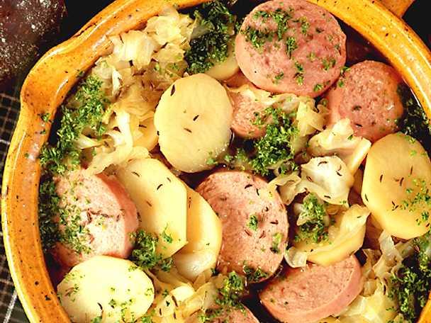 Mustig korvgryta med potatis