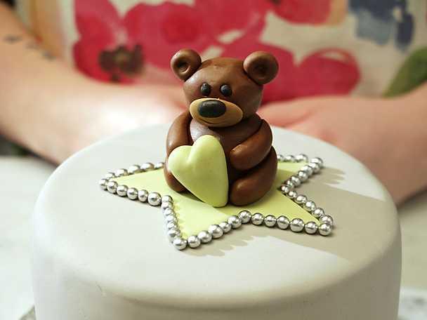 Nallebjörn i sockerpasta - se & gör