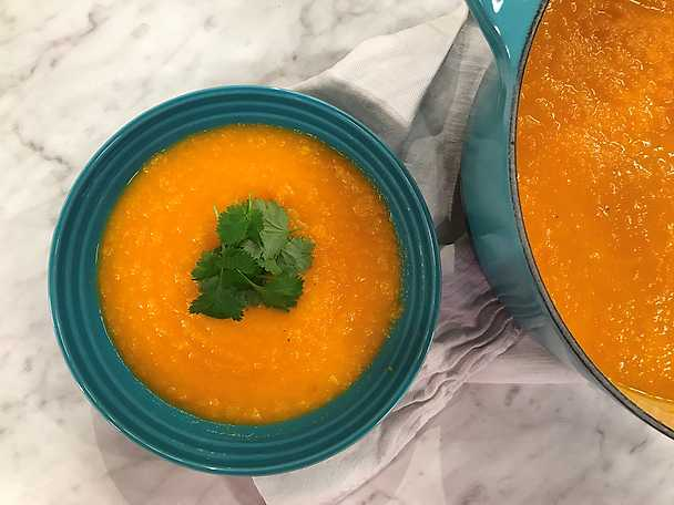 Nicoles morotssoppa med ingefära och koriander