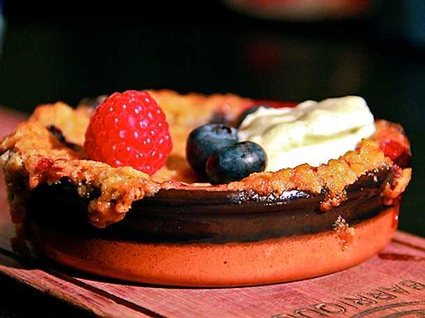 Nilssons paj med hemmagjord vaniljsås