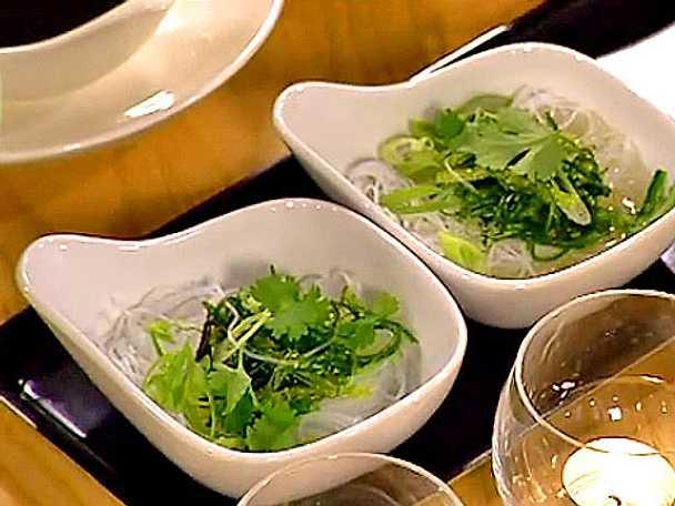 Nudelsoppa med sojamarinerade alger