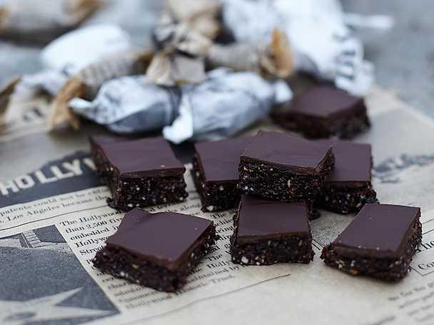 Nyttig chokladfudge med julsmaker
