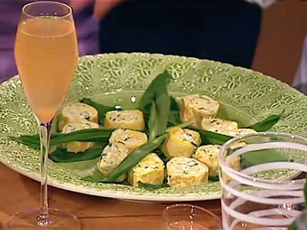 Omelettrulle med ramslöksgetost