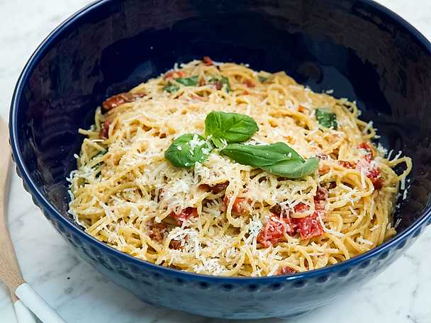pastasås tomat recept
