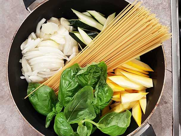 One pot pasta med zucchini