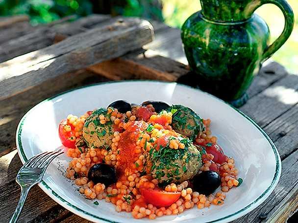 Orientaliska frikadeller med couscous