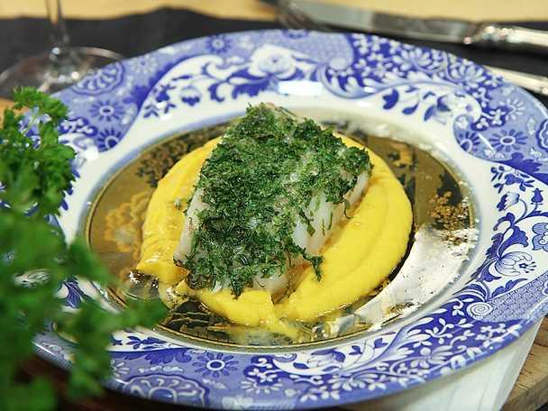 Örtbakad torsk med rotsakspuré och brynt smör