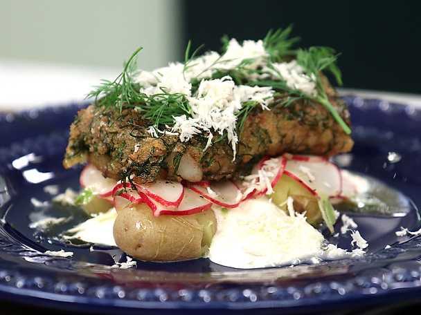 Örtpanerad torsk med färskpotatis och pepparrotskräm
