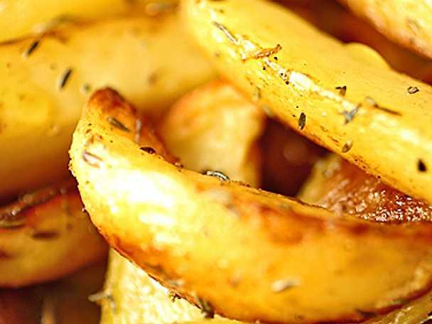 Örtstekta potatisklyftor