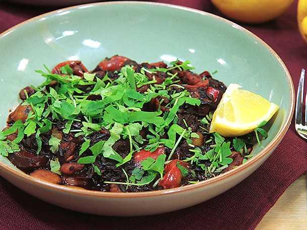 Paella med svart ris