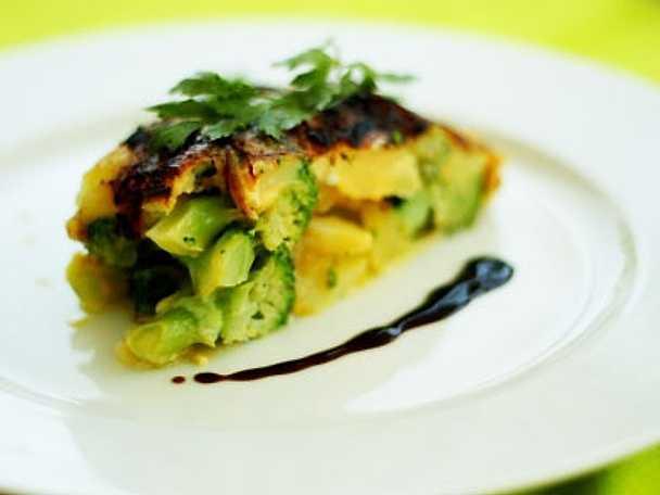 Paj med broccoli och potatis