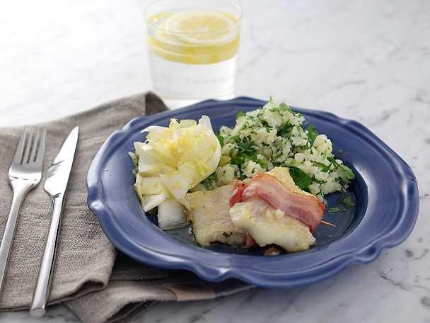 Pancettalindad torsk med salvia och pressad potatis