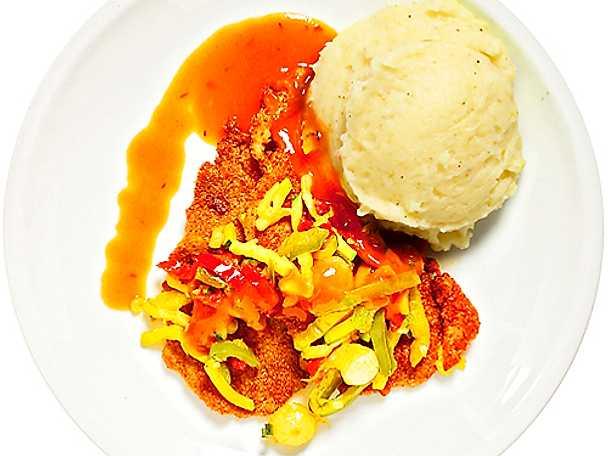 Panerad fläskkarré med tomatsås