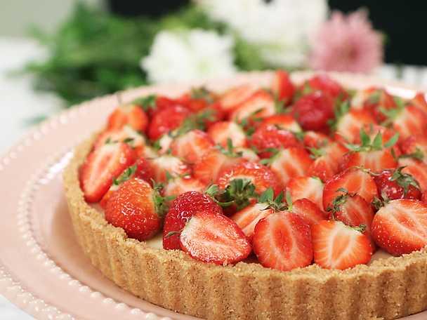 Pannacottapaj med jordgubbar