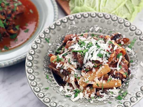 Paolos pasta med höstragu på oxkött och svamp