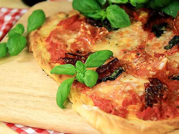 Paolos röd dag-pizza