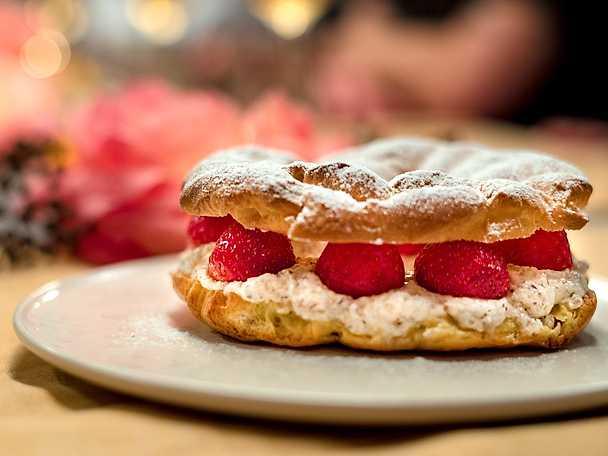Paris-brest med jordgubbar