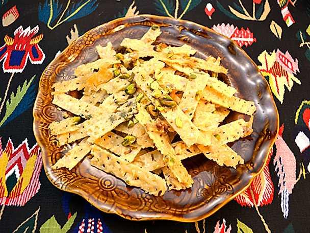 Parmesanflarn med nötter