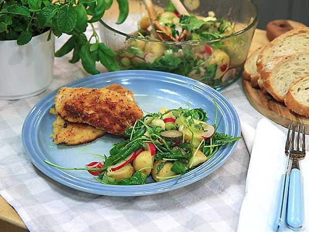 Parmesanpanerad kyckling med italiensk potatissallad