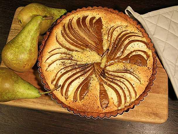 Päron- och mandeltarte