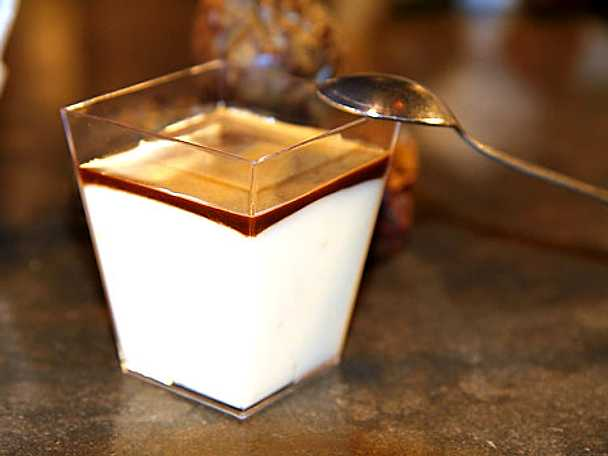 Passionsespresso med vit chokladmousse