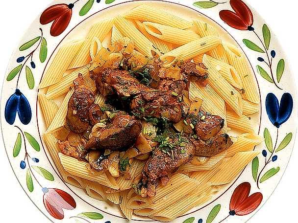 Pasta med kycklinglever och champinjoner