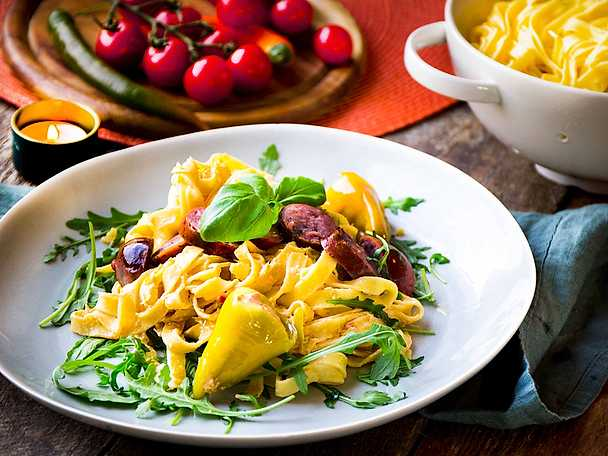 Pasta på 3 ingredienser - peperonipasta med chorizo