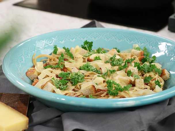 Pasta pancetta med citron, chili och comte