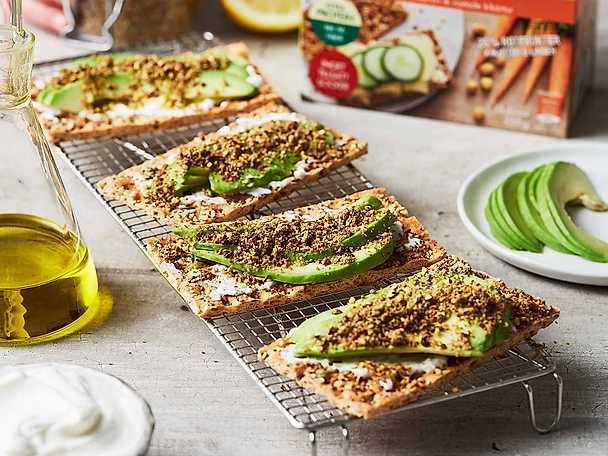 Paulúns superknäcke med avokado och dukkah
