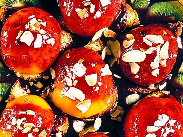 Persikor i hallonsås