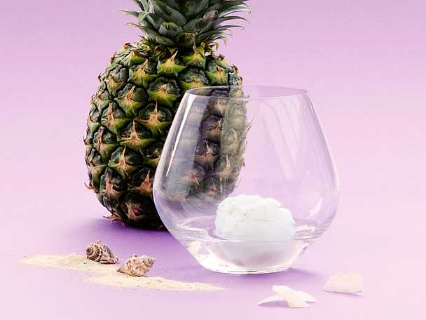 Piña colada - glassdrink med kokosmjölk, malibu och ananas
