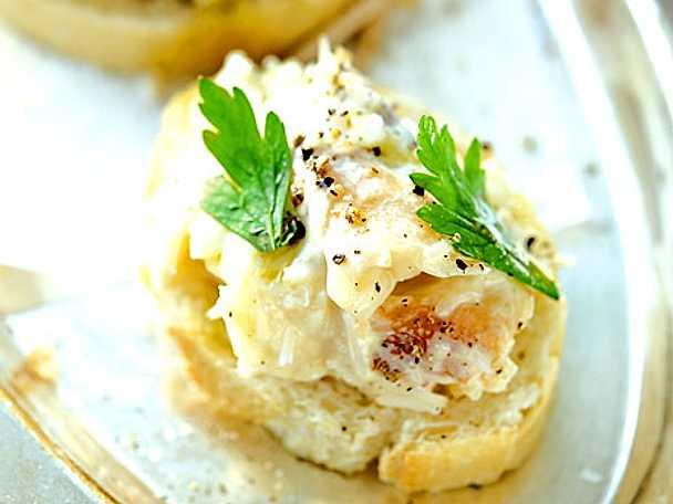 Pinchos med krabba i majonnäs