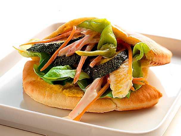 Pitabröd med grönsaksfyllning