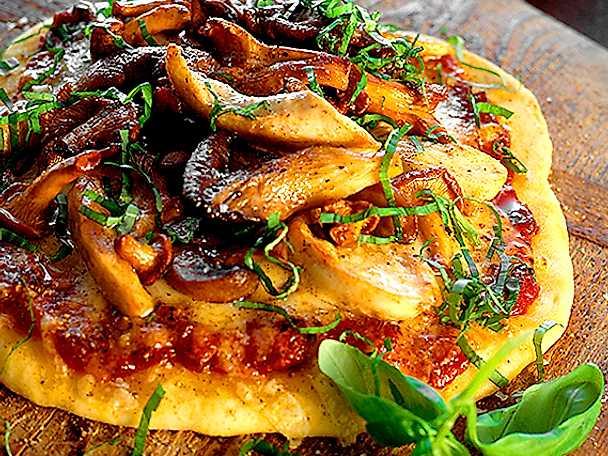 Pizza med kyckling och kantareller