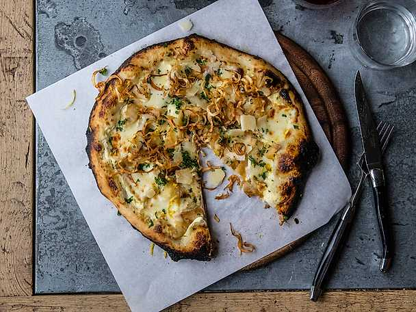 Pizza med långbakad rotselleri