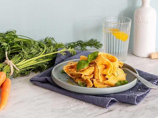 Planti Krämig och kryddig pastasås med rotsaker och linser