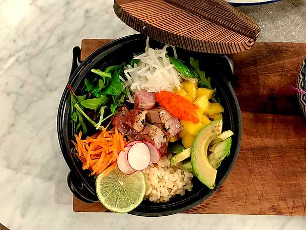 Poké bowl Hawaiian tuna
