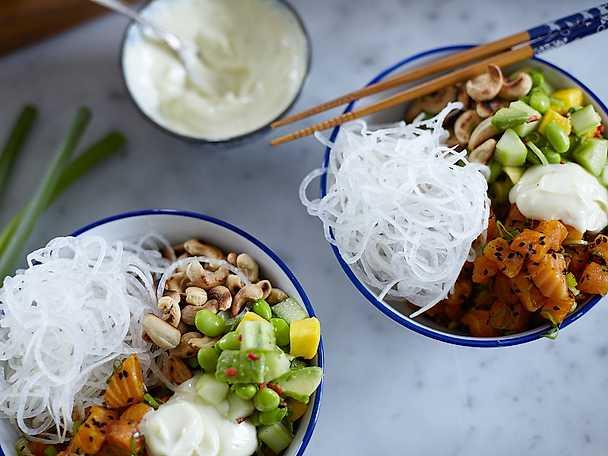 Poké bowl med saffranslax