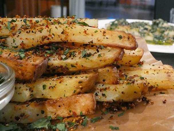Pommes frites med remouladsås