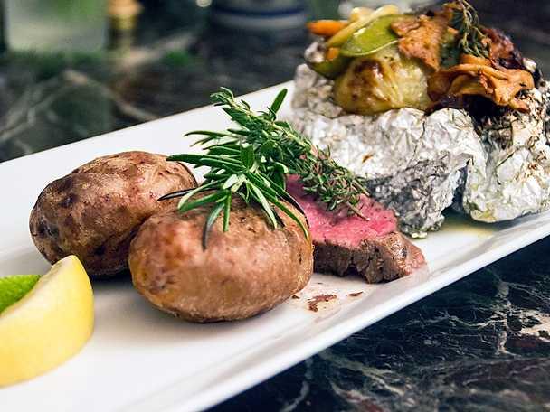 Porterhouse steak med smörstekta primörer