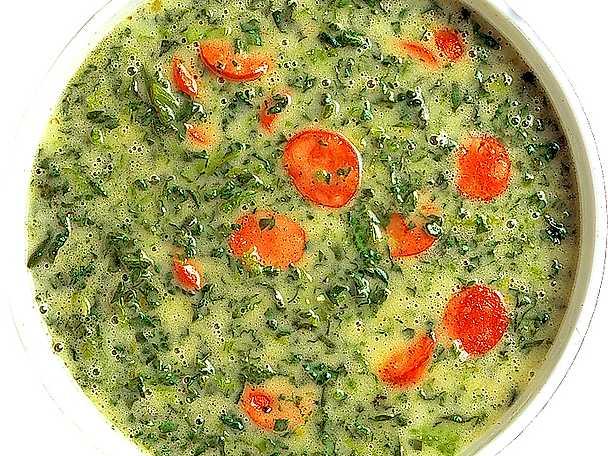 Potatis- och grönkålssoppa med vitlökskorv