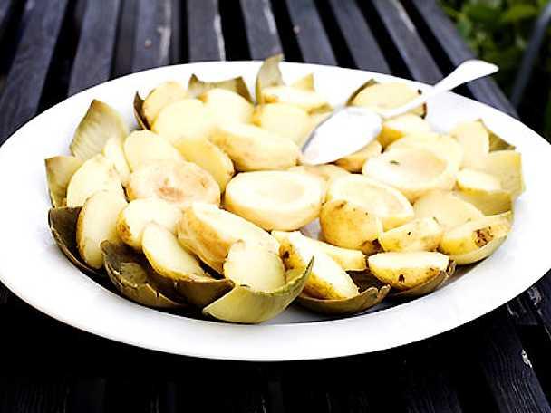Potatis- och kronärtskocksallad à la Demidov