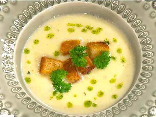 Potatis- och löksoppa med variaton