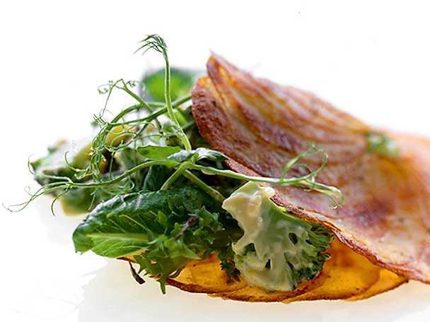Potatiskakor med sallad